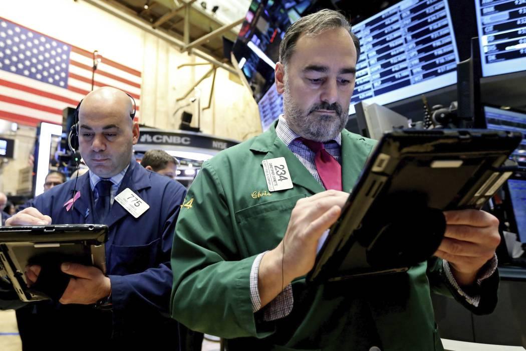 Wall Street sigue bajando tras el