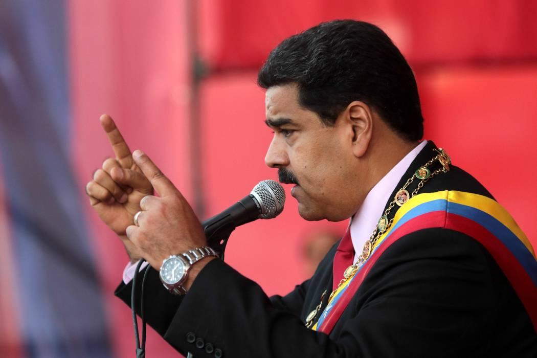 Ola de demandas contra firmas para revocatorio del presidente Maduro