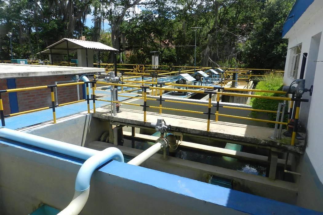 Comunidad se queja por constantes cortes de agua