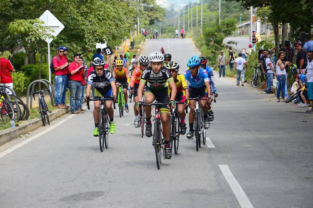 Se disputó el Festival de Escuelas de Ciclismo del Club Floridablanca