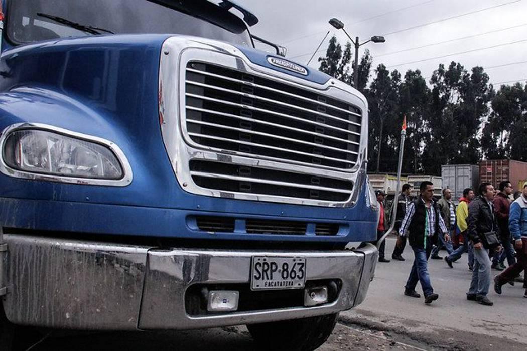 Gobierno y camioneros no lograron acuerdo y sigue el paro