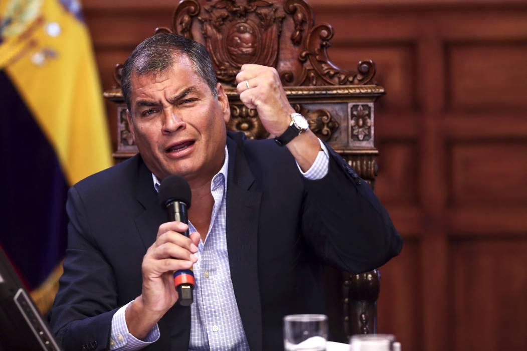 Descartan alerta de tsunami tras fuertes réplicas en Ecuador