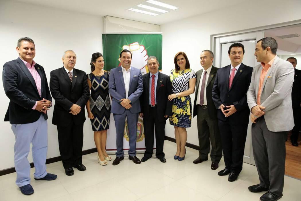 Se posesionan seis nuevos gerentes de hospitales
