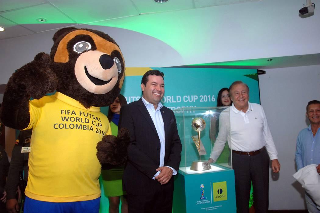 Exhibirán en barrios de Bucaramanga trofeo de la Copa Mundial de Futsal
