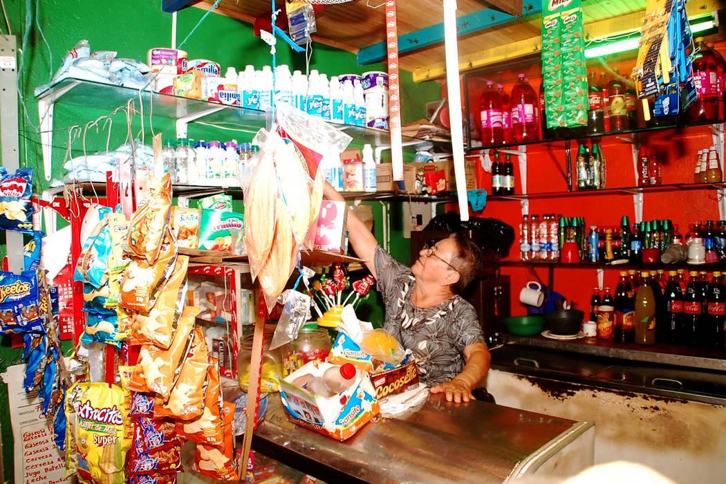 Autoridades advierten a comerciantes porteños para que no sean engañados