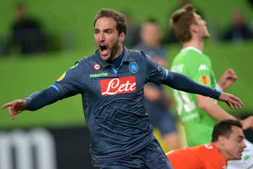 Nápoles congela negociaciones con la Juve por el pase de Gonzalo Higuaín