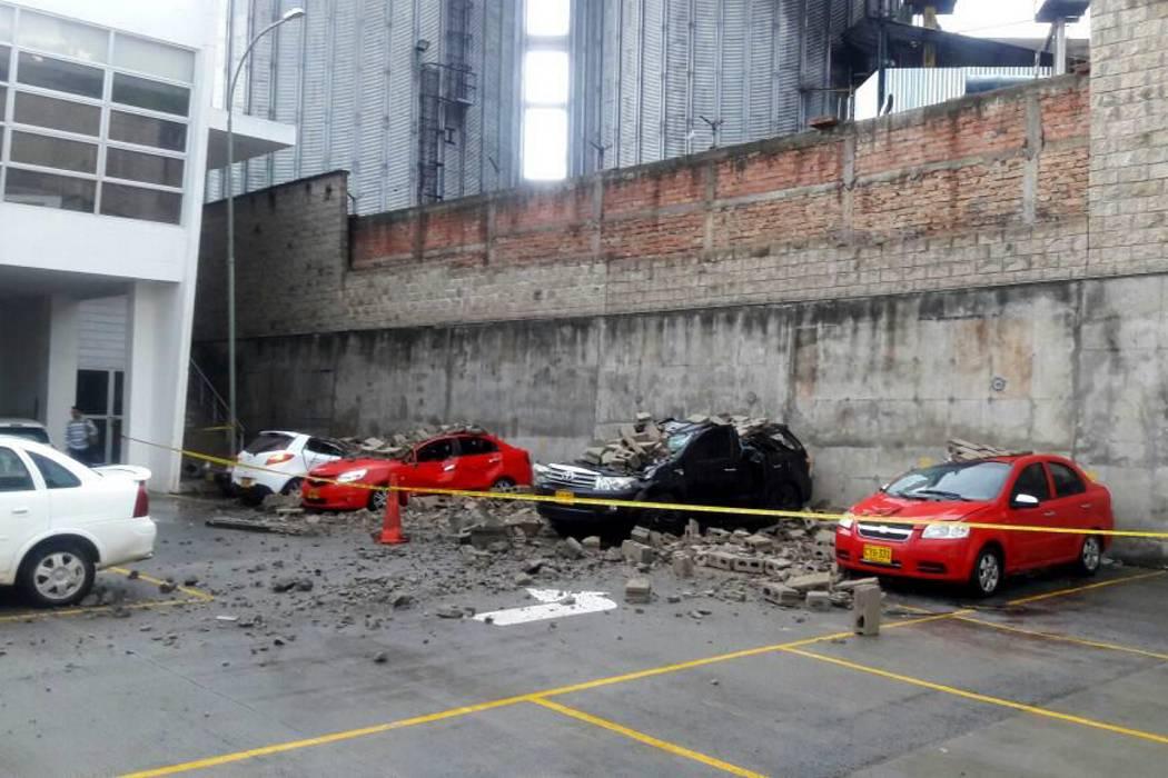 Intenso aguacero generó emergencias en Bucaramanga y Piedecuesta