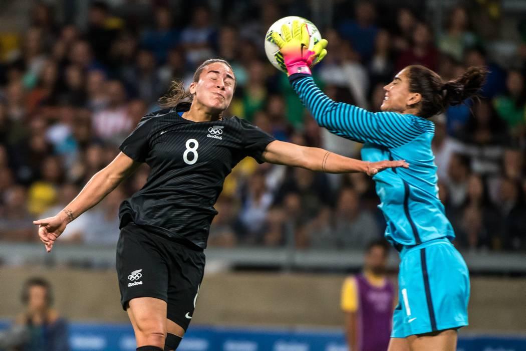 EE.UU. comienza defensa del oro olímpico en fútbol femenino con victoria 2-0 ante Nueva Zelanda