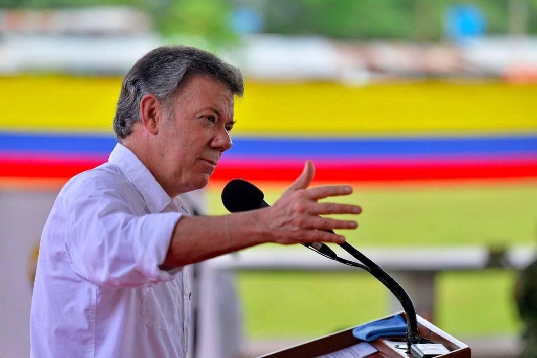 Santos afirma que el plebiscito podría convocarse antes de la firma formal