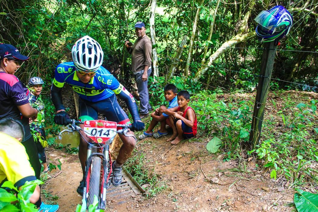 Ciclistas: desafiados como unos 'titanes'