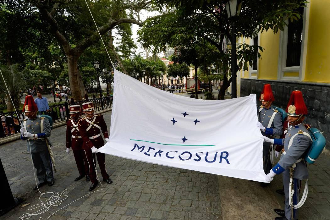 Venezuela no tiene derecho a ejercer presidencia de Mercosur: Mauricio Macri