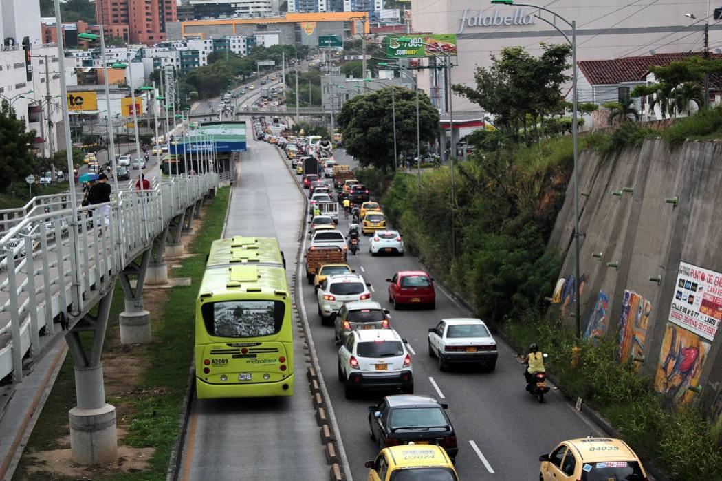 Santandereanos deben $230 mil millones en impuesto de vehículos