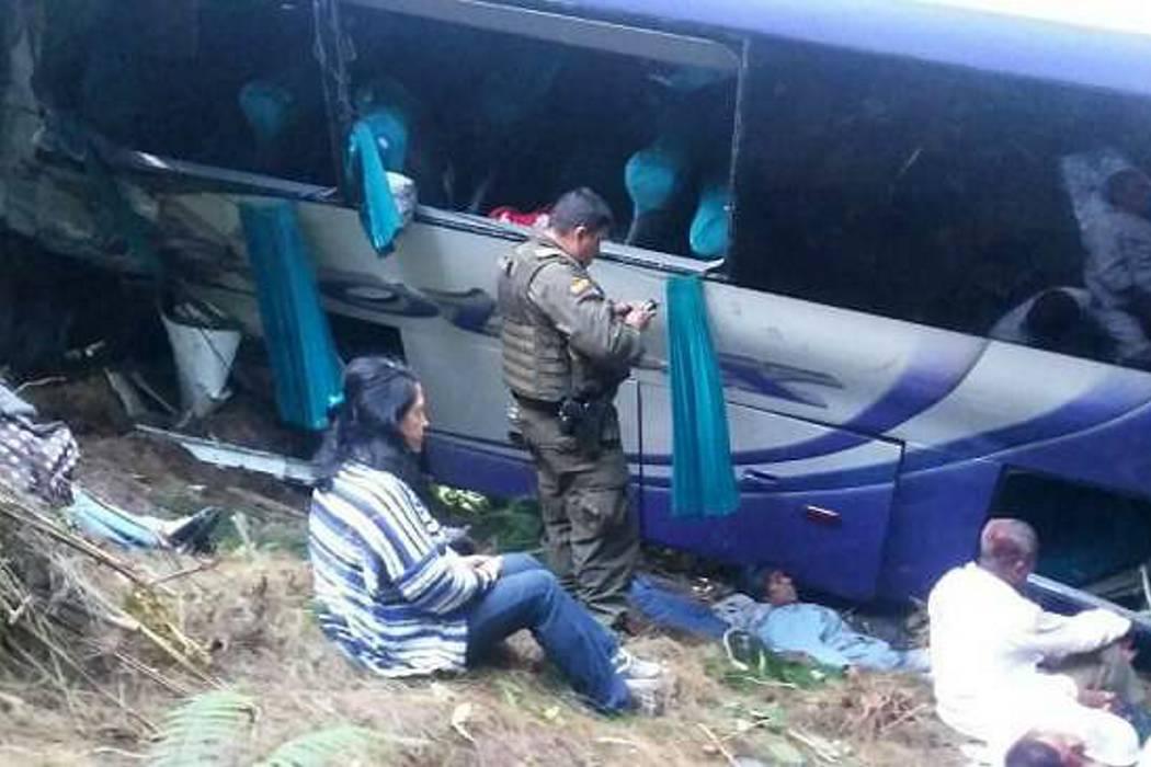 Cuatro muertos y 21 heridos en accidente de bus en La Línea