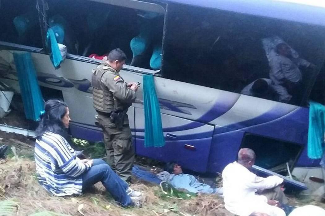 Cuatro muertos en accidente de  bus que cubría la ruta Bogotá - Cali