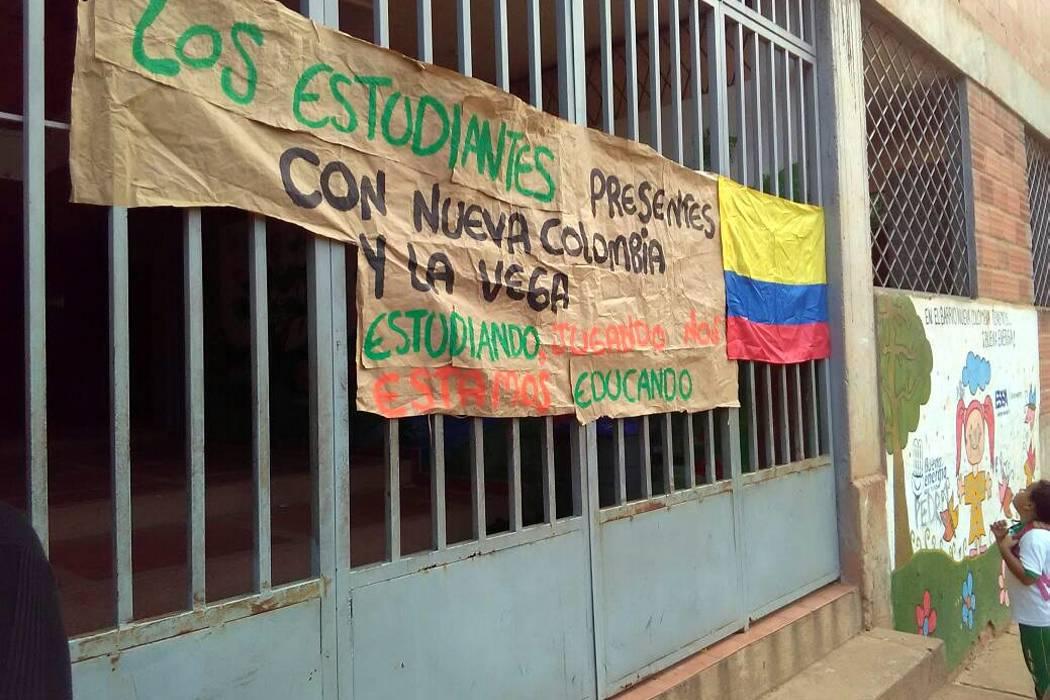 Manifestación detuvo clase en institución local