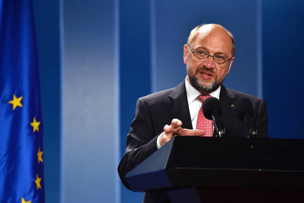 UE cruza los dedos por paz de Colombia, dice presidente de Parlamento Europeo