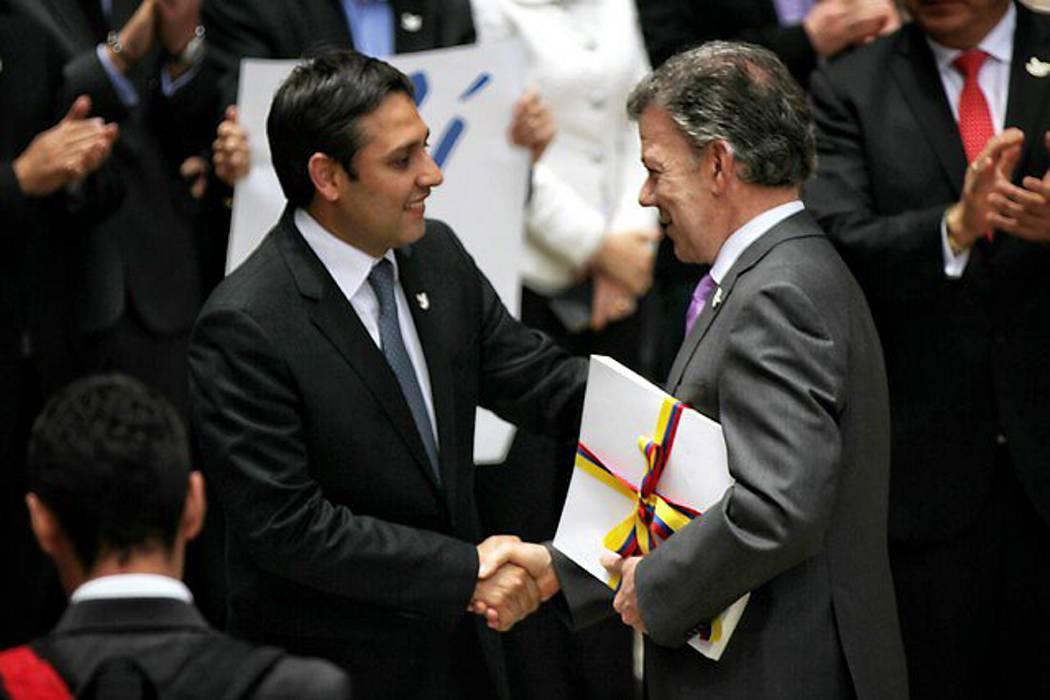 Santos declara el cese al fuego definitivo desde este lunes