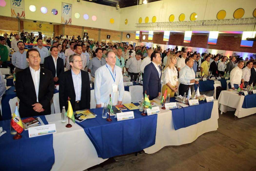 Desde Bucaramanga, los gobernadores de Colombia piden recursos para la paz