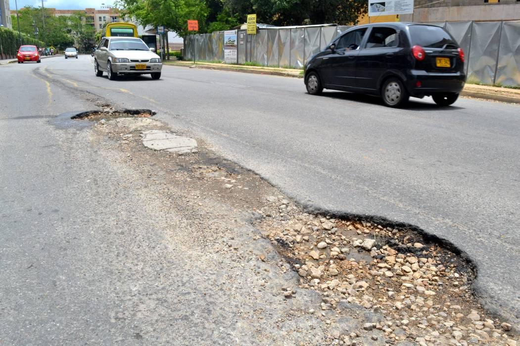 Malla vial Bucaramanga, llena de huecos y grietas