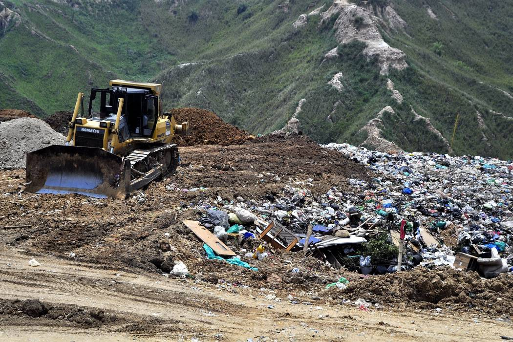 'Contratista de planta de lixiviados de El Carrasco evalúa detener operación por falta de pago'