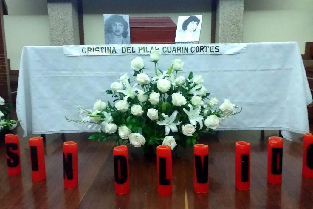 Familiares reciben restos de mujer desaparecida en la toma del Palacio de Justicia