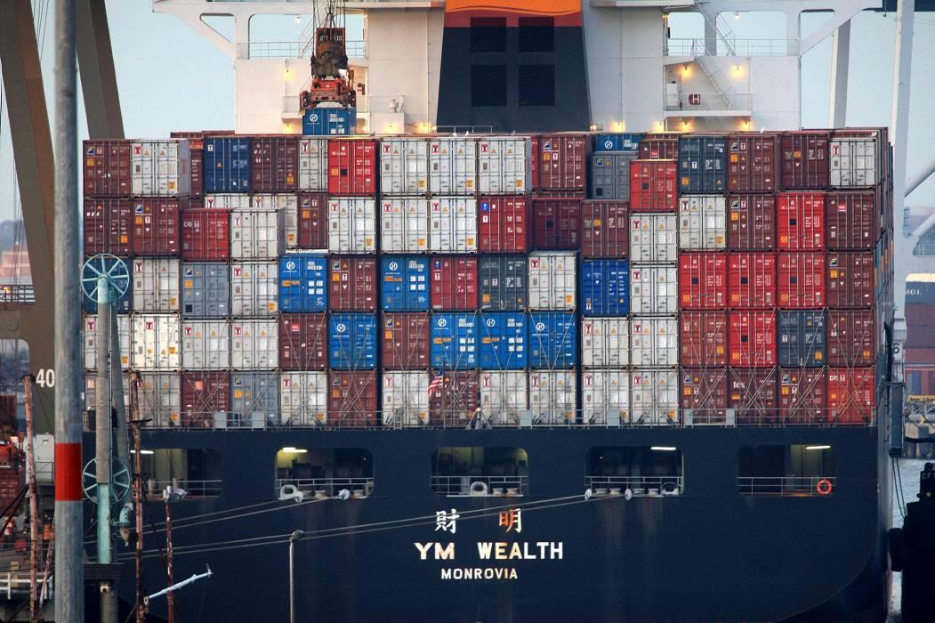 En julio, déficit de balanza comercial cayó un 42,3%