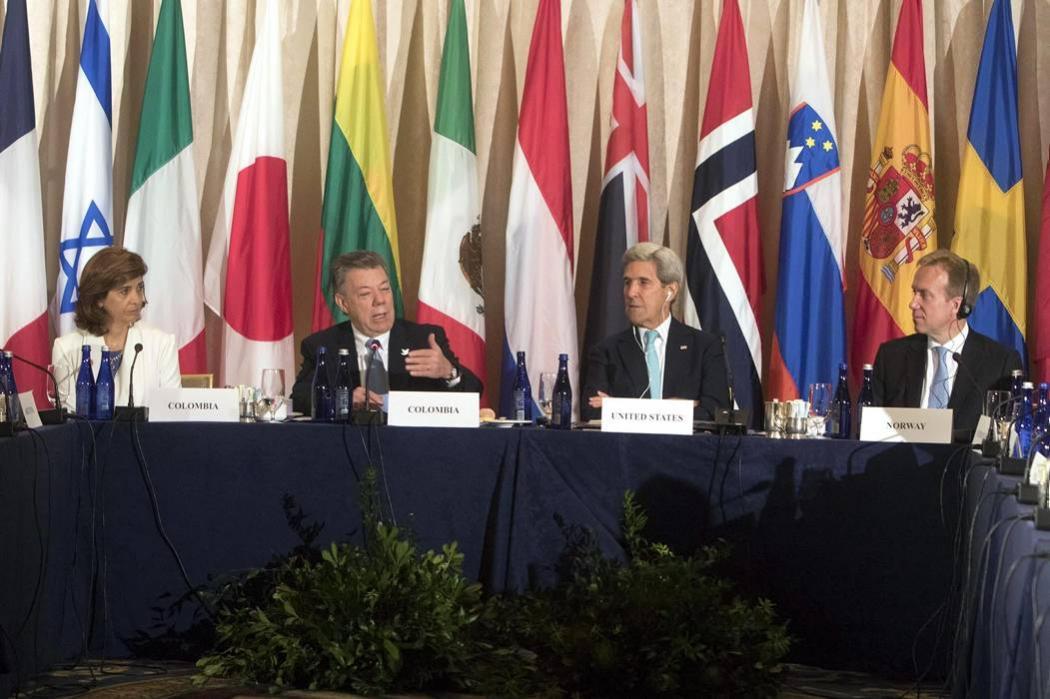 La comunidad internacional arropa a Colombia para desminar el país en 5 años