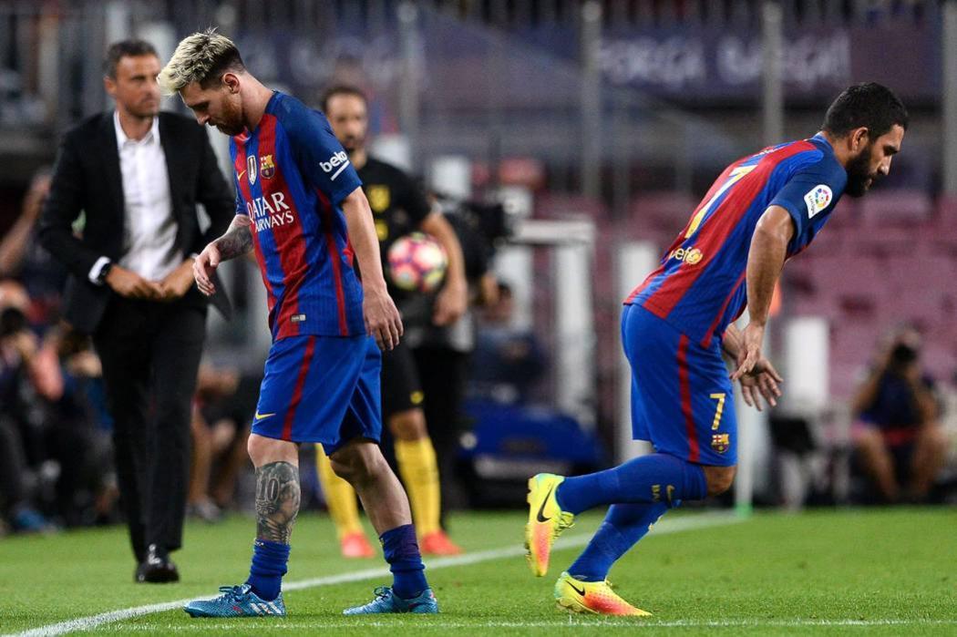 Lionel Messi, baja de Barcelona por tres semanas por una rotura muscular