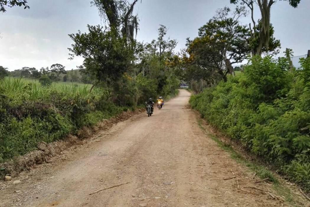 Alcalde de Güepsa radicó proyectos en vías y acueductos