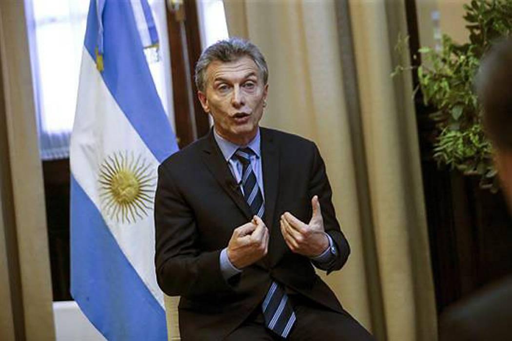 Central obrera argentina declara primera huelga general contra Macri