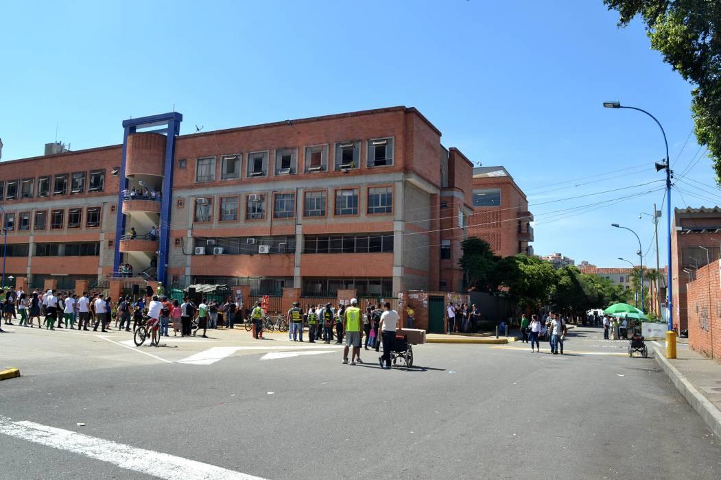 Estudiantes sí le caminaron al 'Día sin carro y sin moto' en Bucaramanga