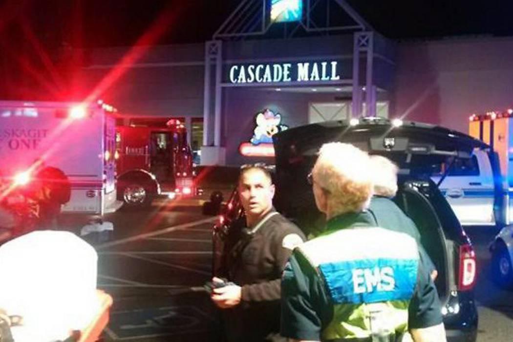 Cinco muertos dejó tiroteo en centro comercial en Washington