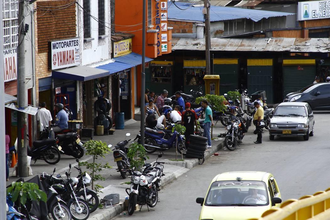Despejarán aceras y vías invadidas por talleres de motos en Bucaramanga