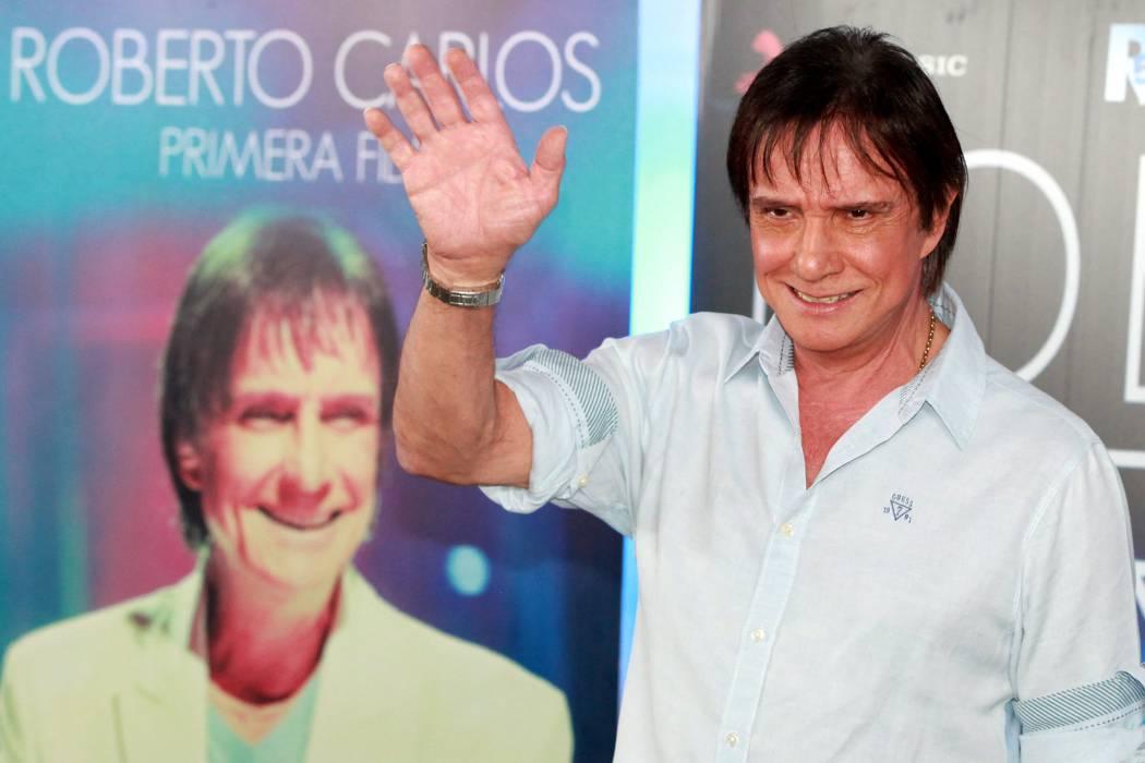Roberto Carlos graba una canción en español con Jennifer López