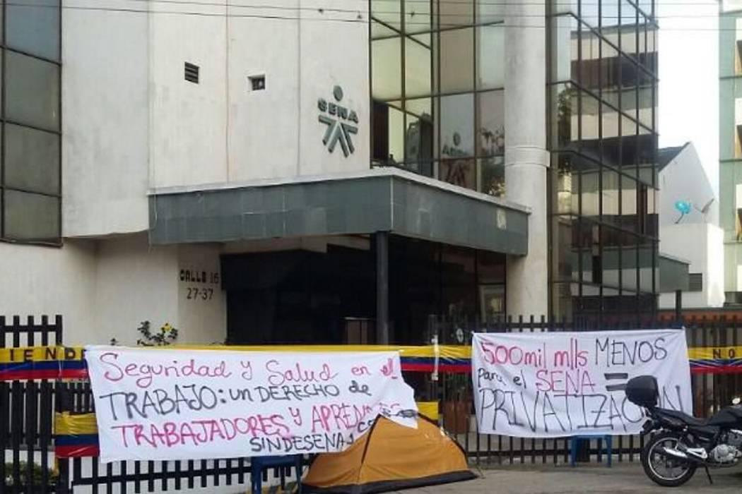 Cerca de 25 mil estudiantes del Sena Santander continúan sin clases por paro