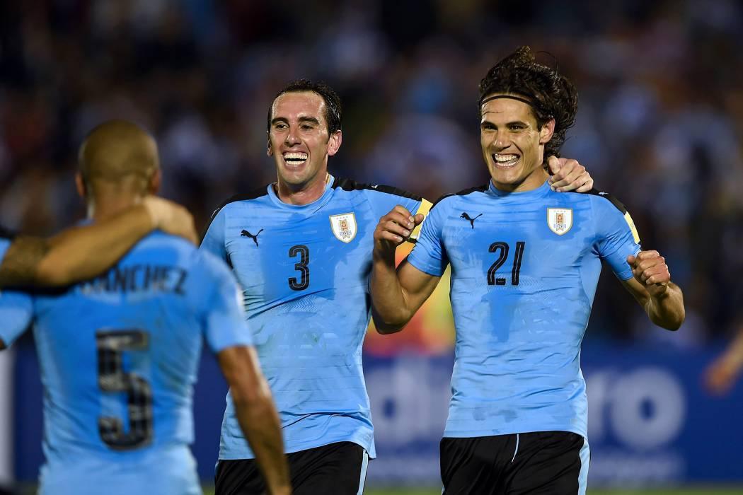 Uruguay golea y se consolida, Ecuador revive; Chile se hunde