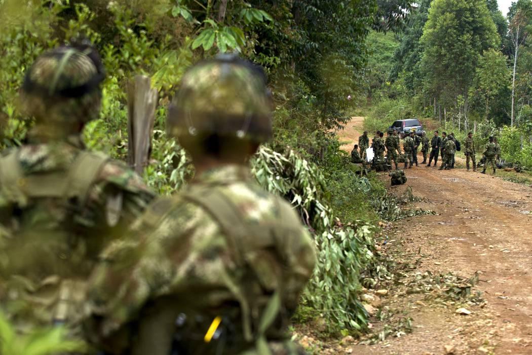 Dos soldados heridos y dos armas perdidas dejó un ataque en el Cauca