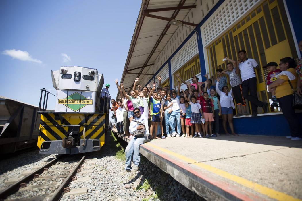 Santander saluda la nueva era del tren en Colombia