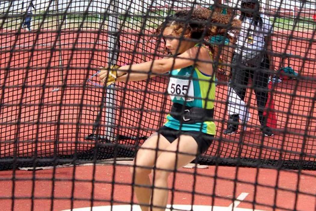Carolina Ulloa impuso nuevo récord nacional en martillo