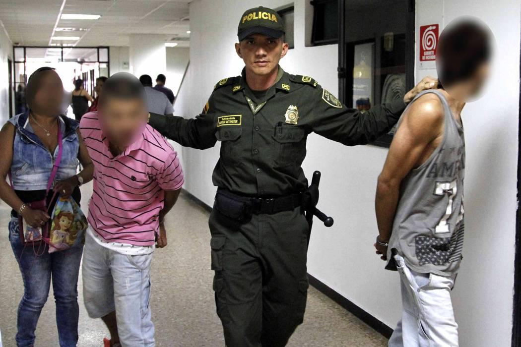 Capturan dos hombres que asaltaron estudiante en un bus en Bucaramanga