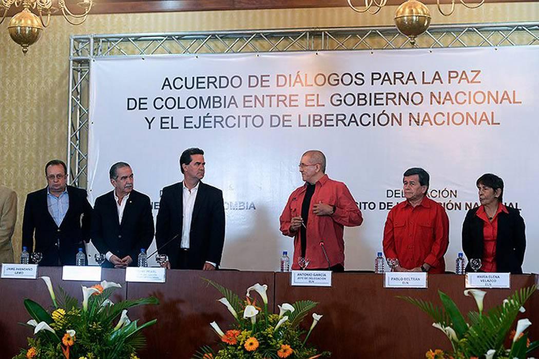 Eln presenta negociadores a un día de iniciar fase pública de diálogos en Ecuador