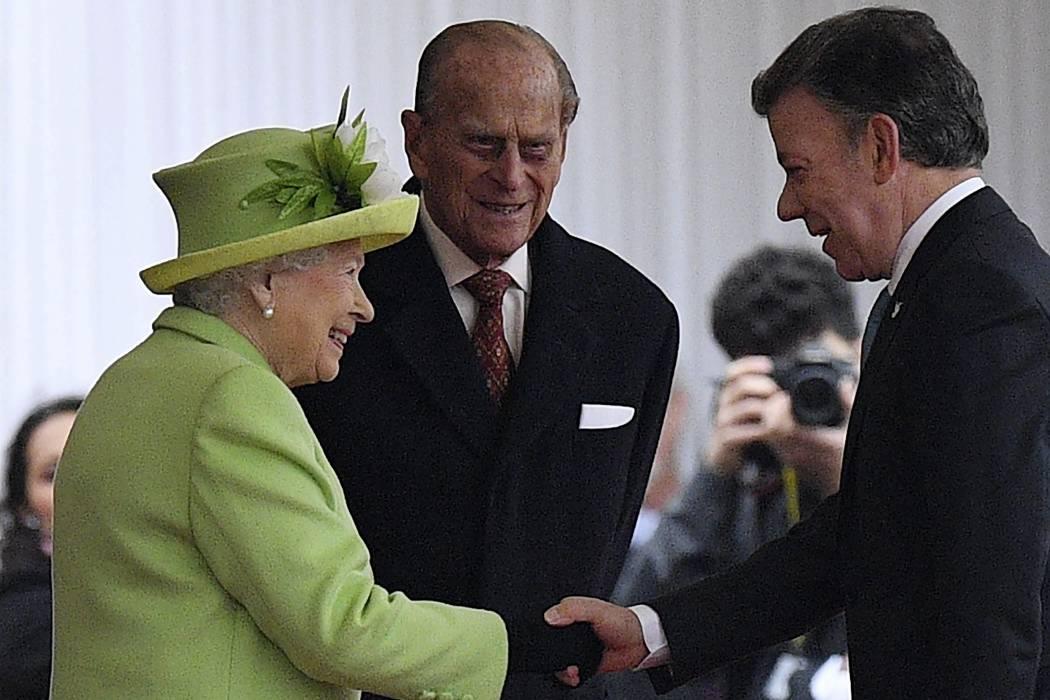 Reina Isabel II recibió a Juan Manuel Santos en visita de Estado