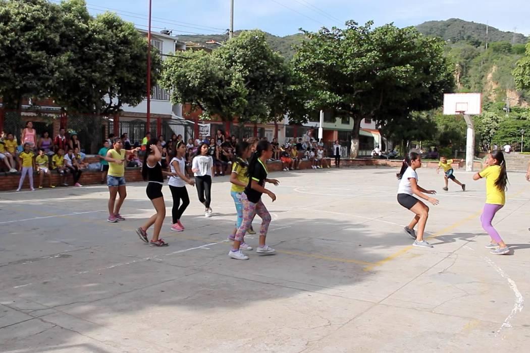 Festival de baloncesto inició en el municipio