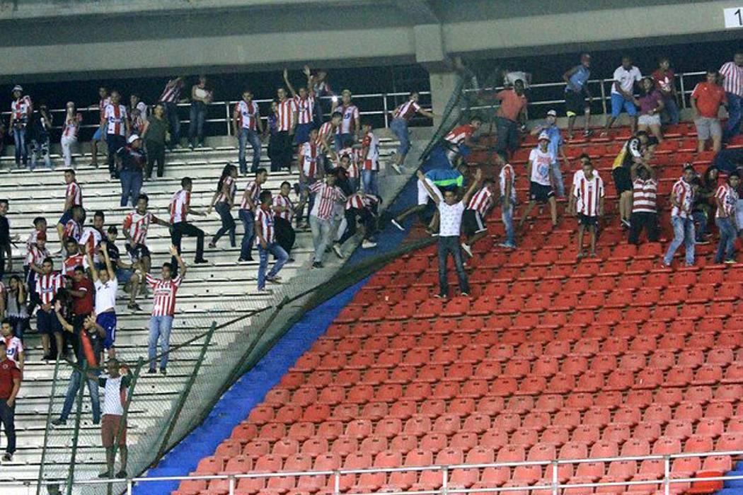 Disturbios en el estadio Metropolitano de Barranquilla dejaron 11 policías heridos