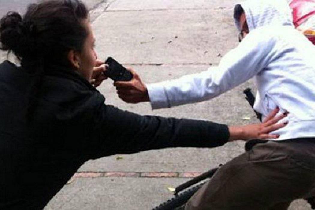 Policías de Colombia y Ecuador recuperan más de 1.700 celulares robados