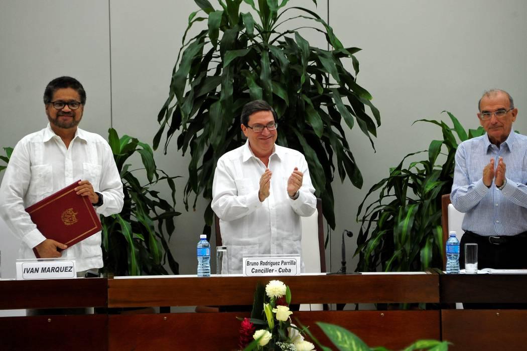 Las Farc le cerraron la puerta a un encuentro con el centro democrático