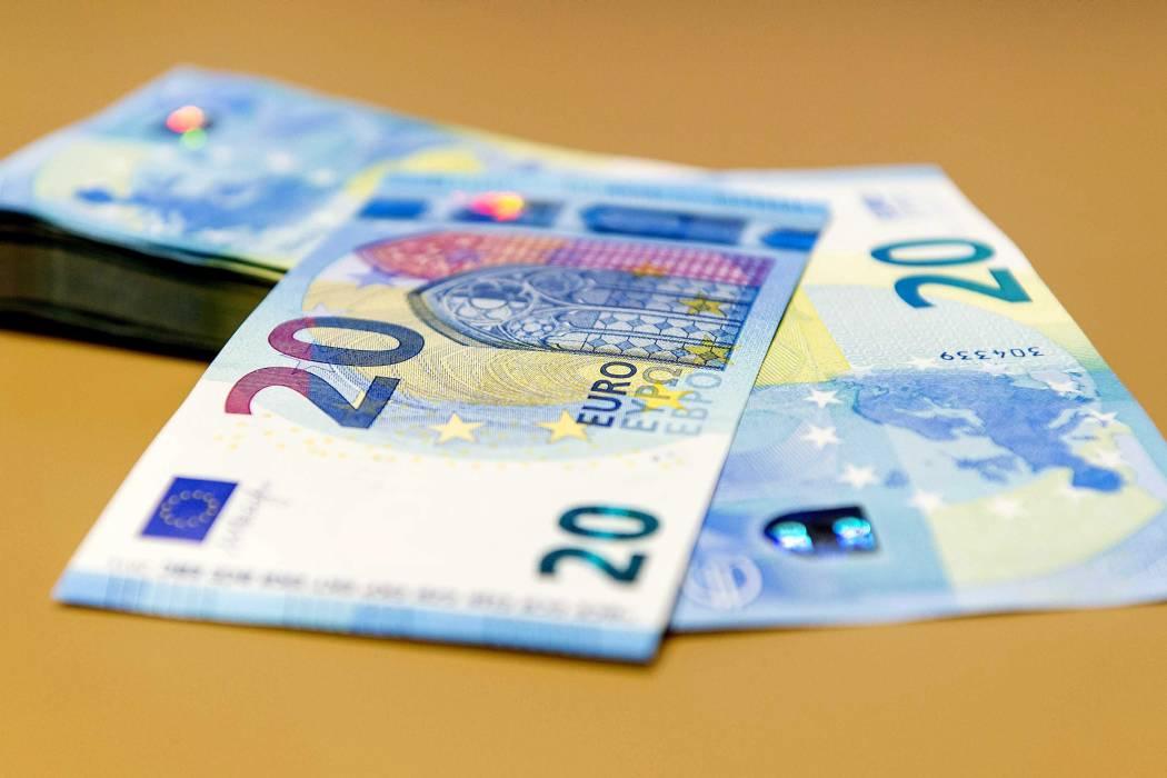 El euro, más cercano a la paridad con el dólar