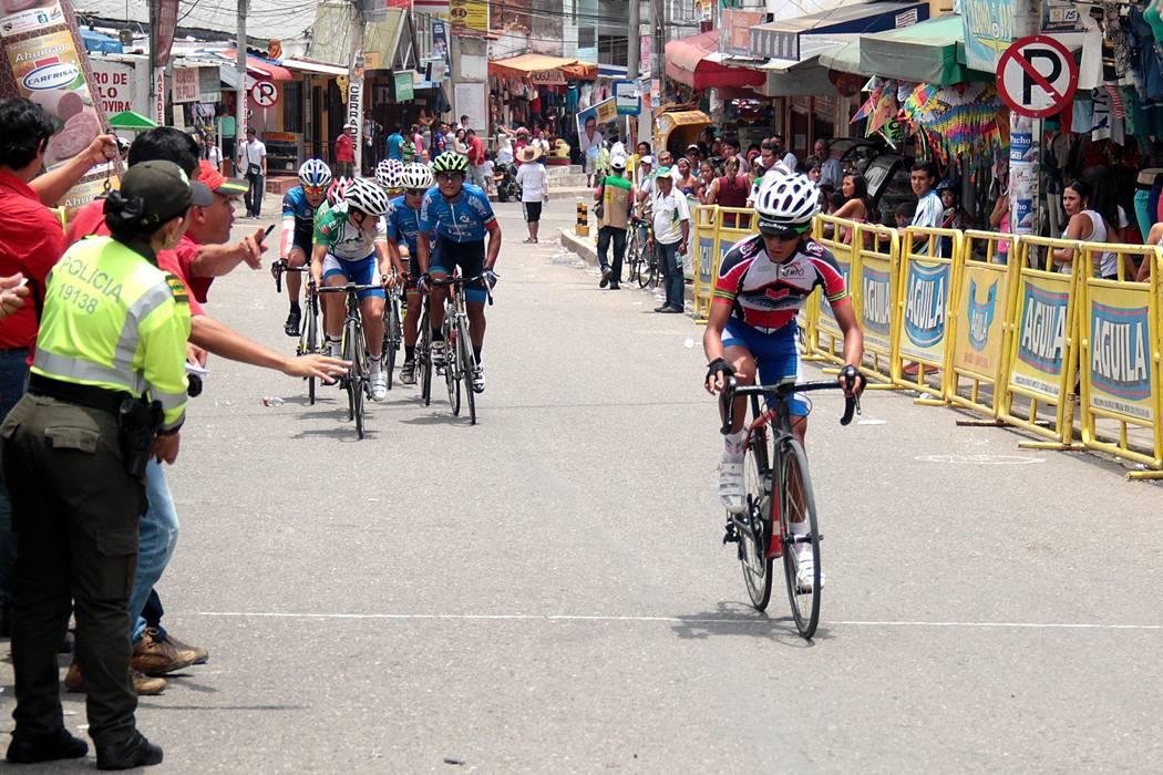 El ciclismo se toma al barrio La Cumbre