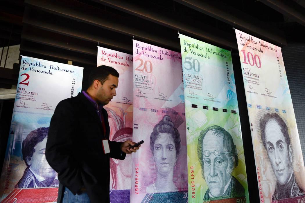 Gobierno venezolano presenta nuevos billetes y monedas para hacer frente a la inflación