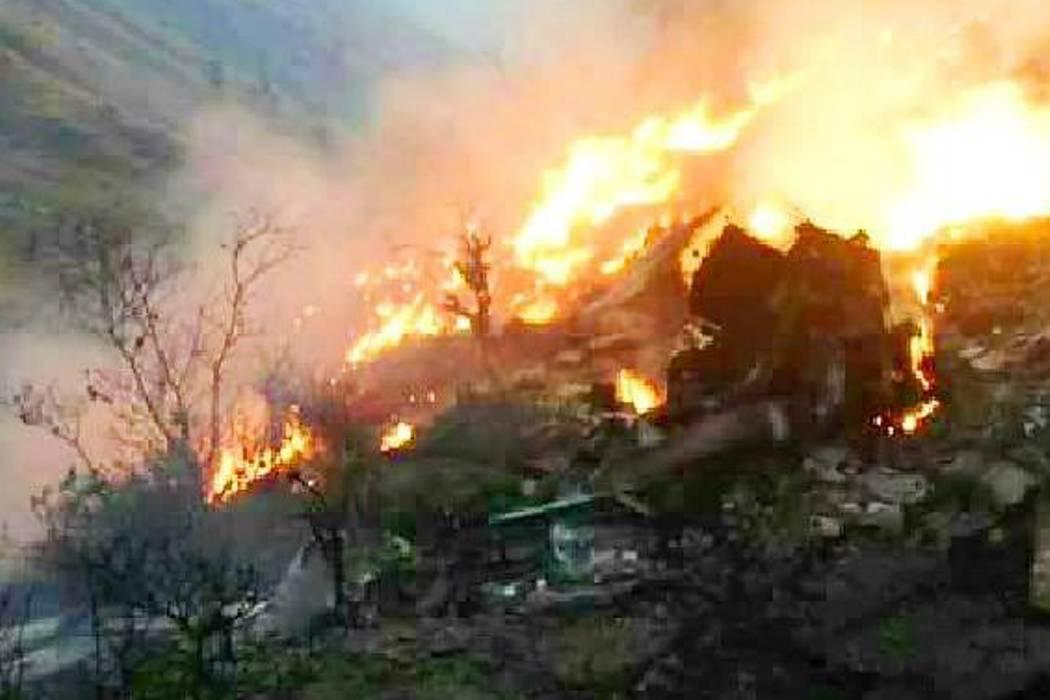 Confirman que se estrelló un avión paquistaní con 40 pasajeros a bordo